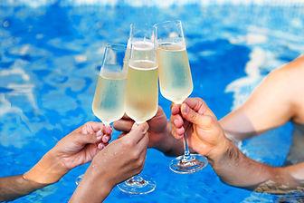 Festa na piscina de verão
