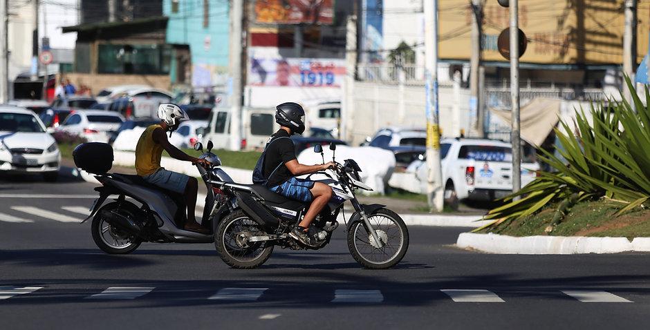 Motociclistas nas rua