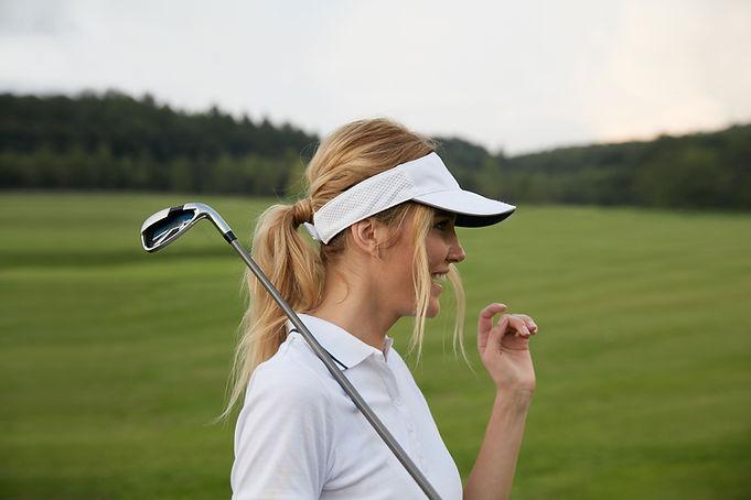Weiblicher Golfspieler