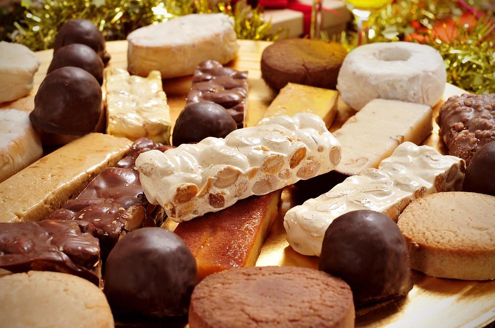 milk chocolate, caramel, roasted peanuts and nougat