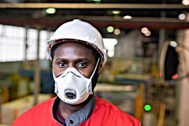 Maske ile Çalışan
