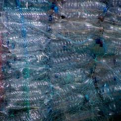 Pourquoi le plastique affecte-t-il le changement climatique?
