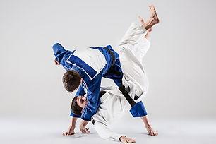 Prática de judô em movimento