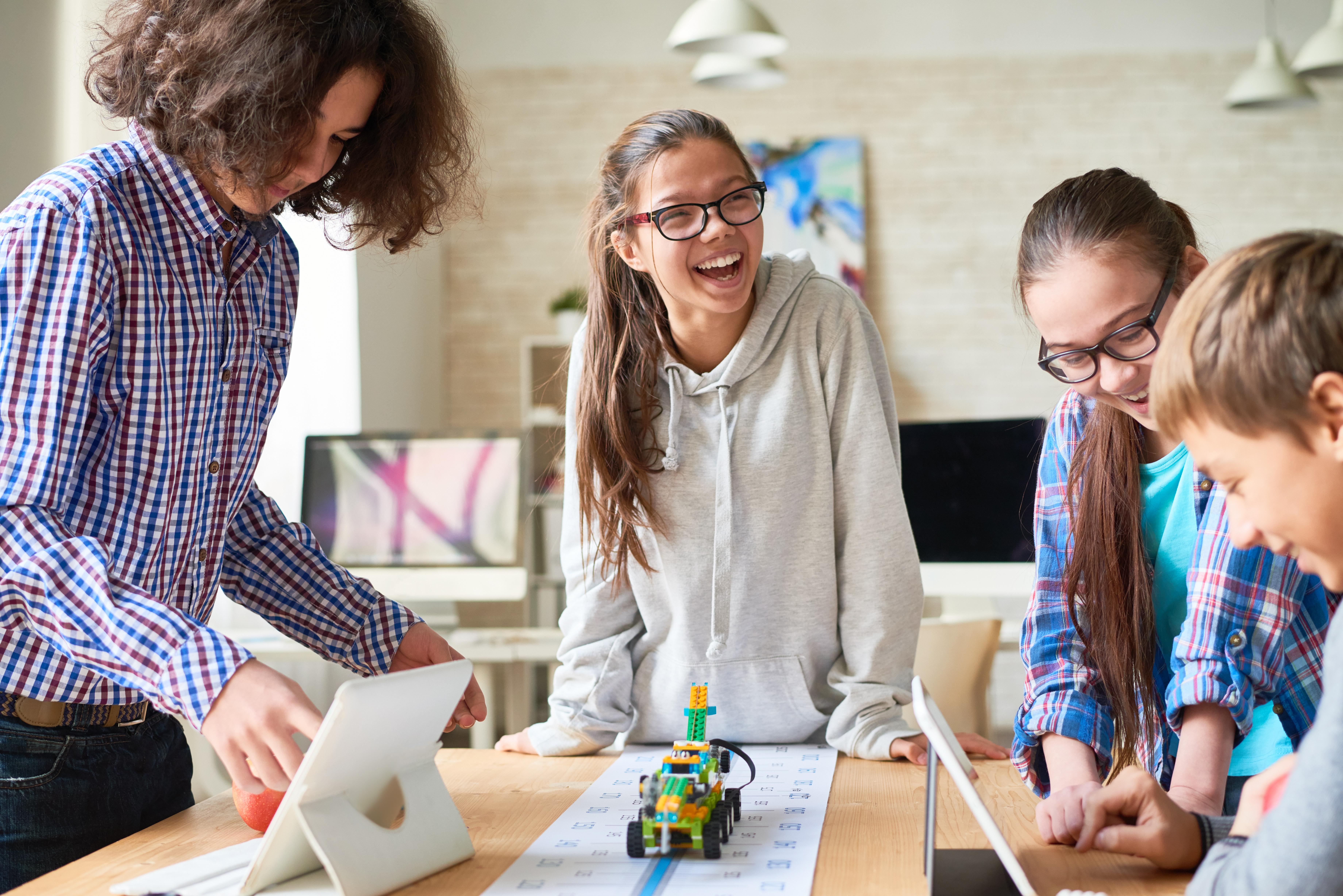 DESIGNING STEM BLENDED LEARNING INSTRUCTION - NAOMI HARM