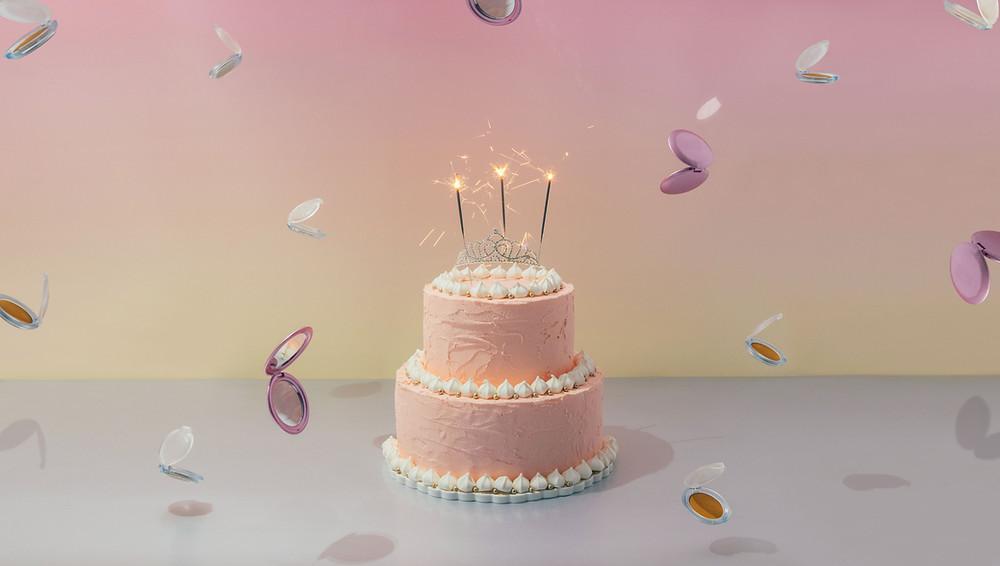 Quinceañera birthday cake at banquet hall in miami