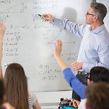 Teahcer på en matematikklasse