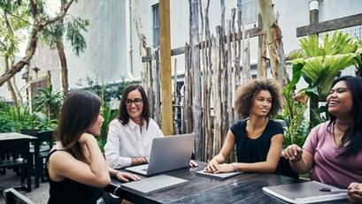 How can Speech Pathologists support job performance and job seeking?
