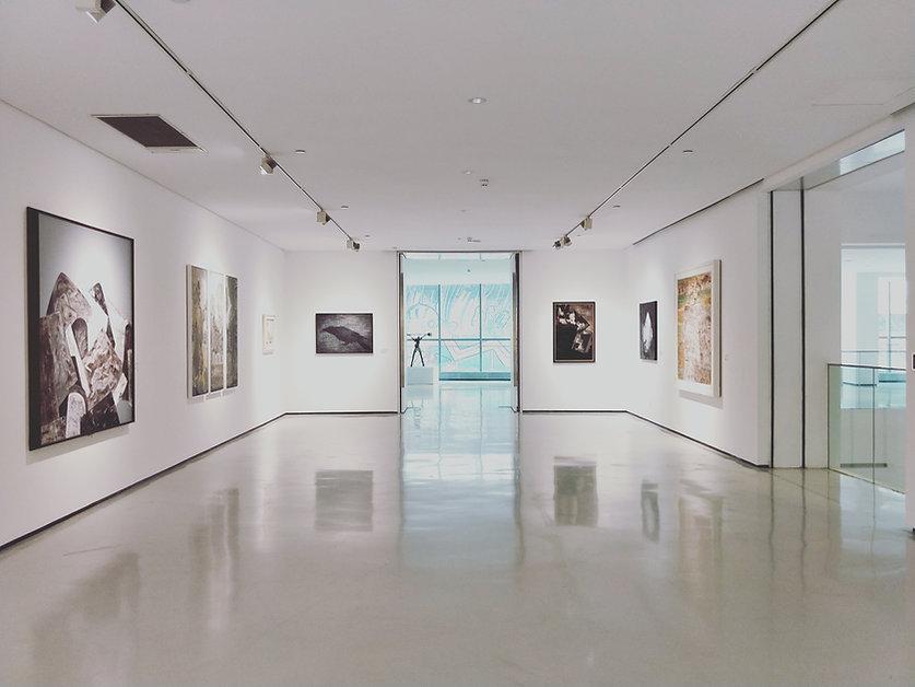 Fotoleinwand in einer Galerie