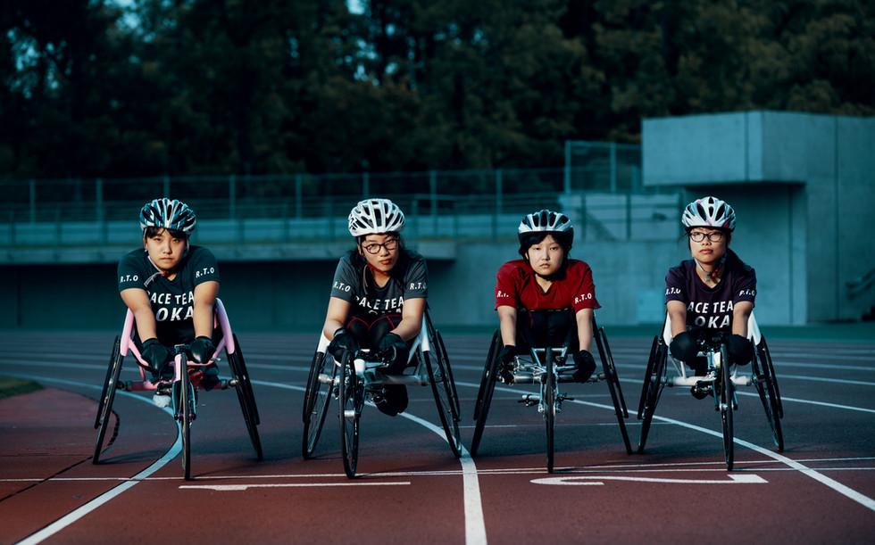 車椅子のレーサーたち