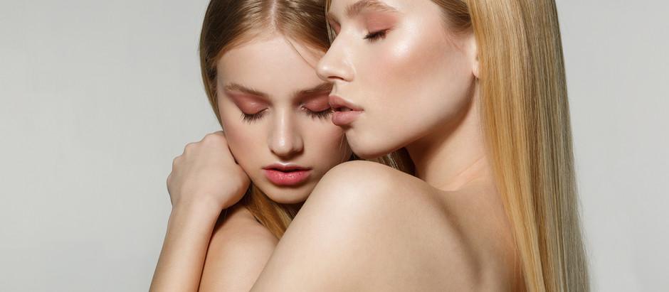 """Foredrag """"Kærlighedens stærkeste sprog hedder hud mod hud"""""""
