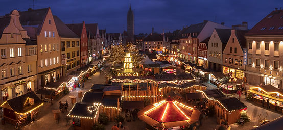Mercado de Natal à noite