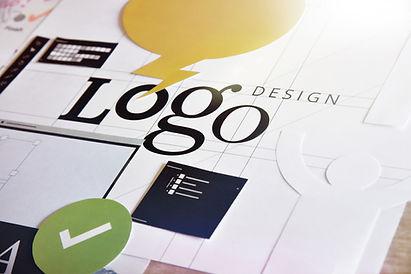 Logo Design bei Lisa Lüthi Photography