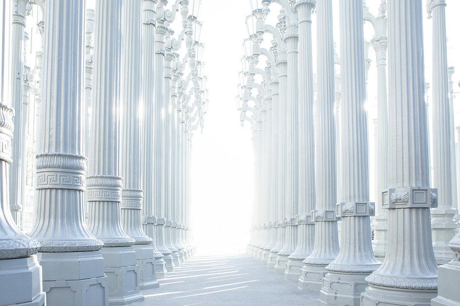 Weiße Säulen