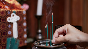Quel encens purifie la maison?