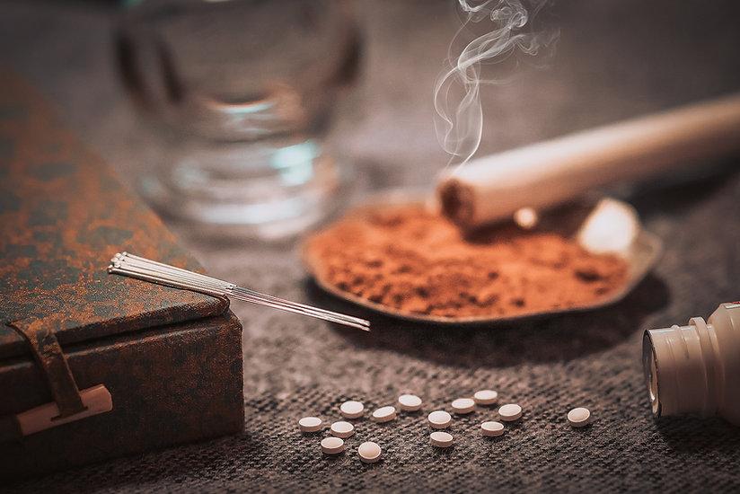 Acupuncture needles , moxibustion