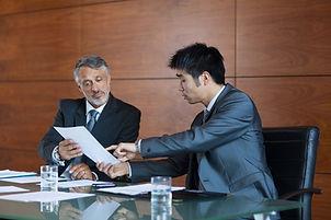 同僚間の会議