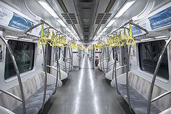 空の地下鉄電車