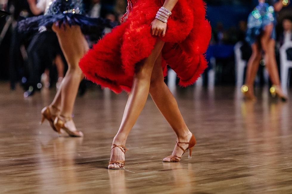 Dans i rött