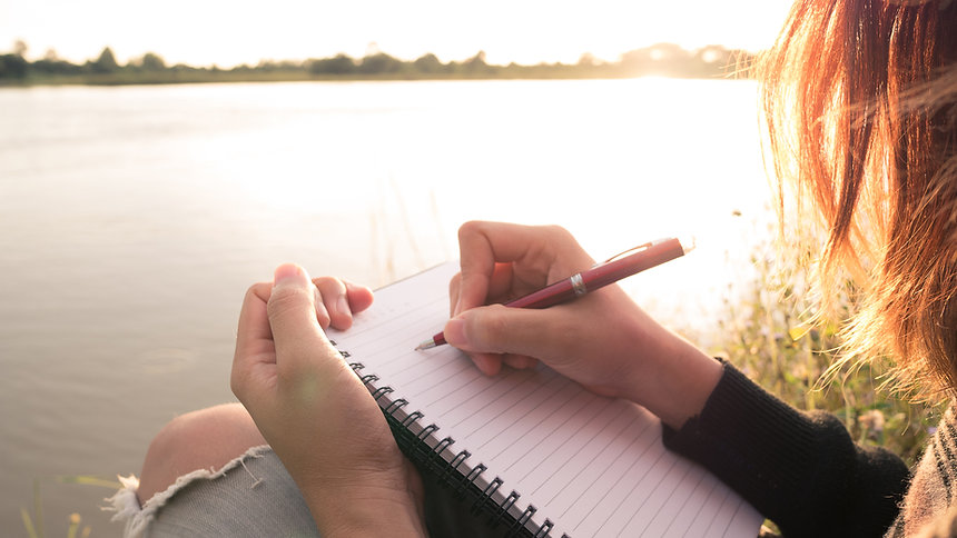 Escribiendo por el agua