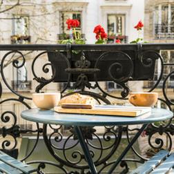 Petit déjeuner sur une terrasse