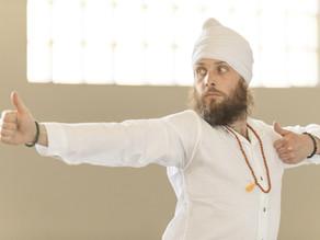 Μια γρήγορη ποιητική ματιά επάνω στην πρακτική της Kundalini Yoga
