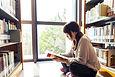 図書館での読書
