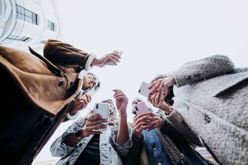 Community Management Smartphone Follower