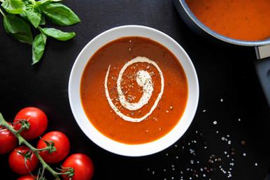 Zupa pomidorowa w cateringu