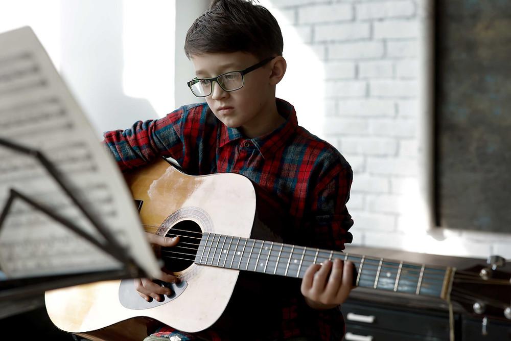 ギターレッスンの課題曲は無視