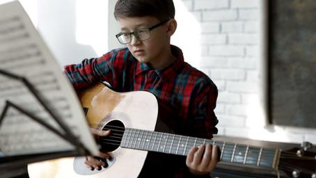 ギター初心者こそ課題曲をやってはいけない理由【まずは好きな曲をやるべし】