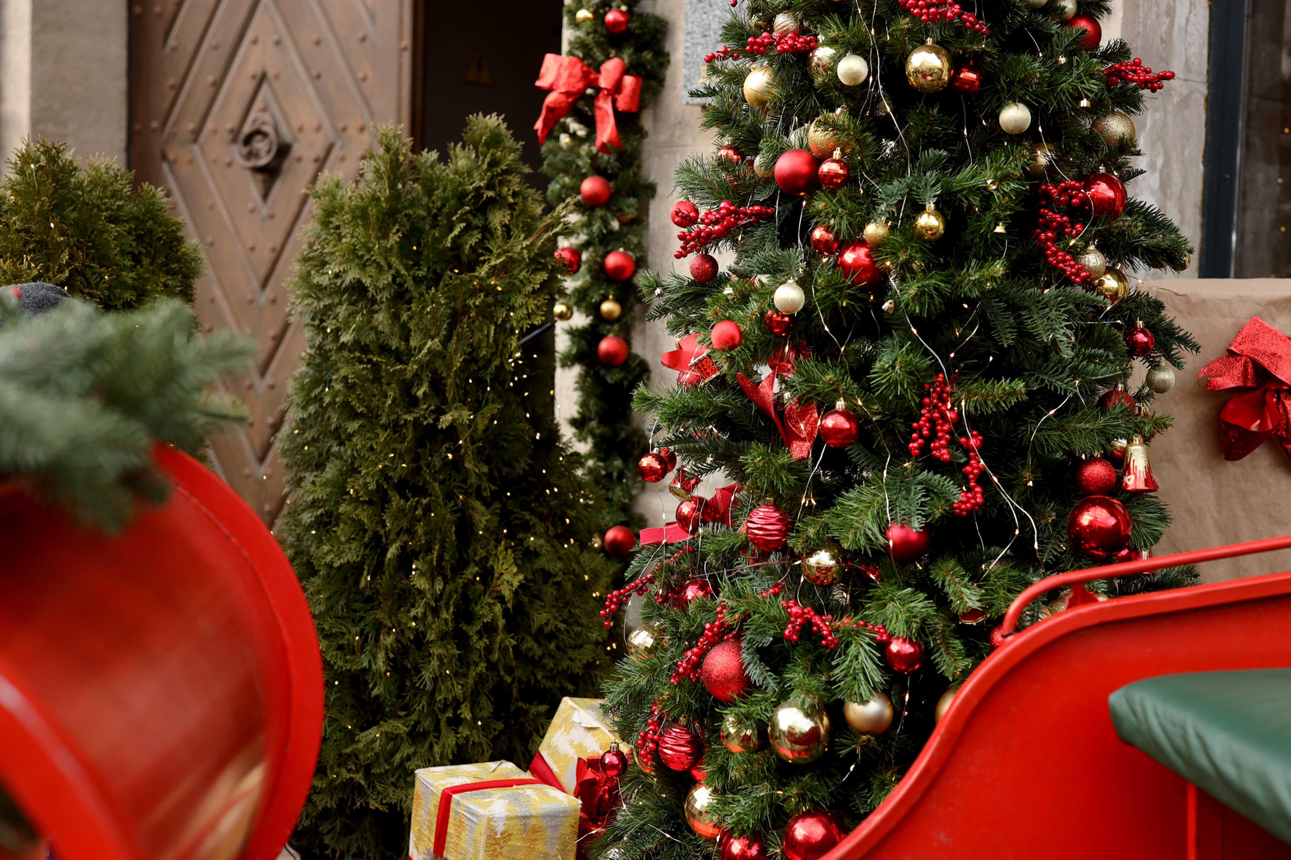 Custom Holiday Decor