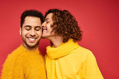 Jovem casal gay