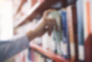 service, livre, bibliotheque, residence***, la fontaine annibal, buis les baronnies, drome, provencale
