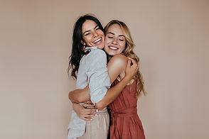 Abrazo de los amigos