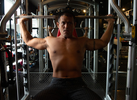 Gym Machines vs. Free Weights