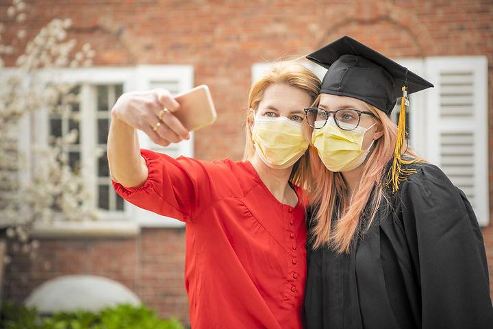 Graduación Covid Selfie