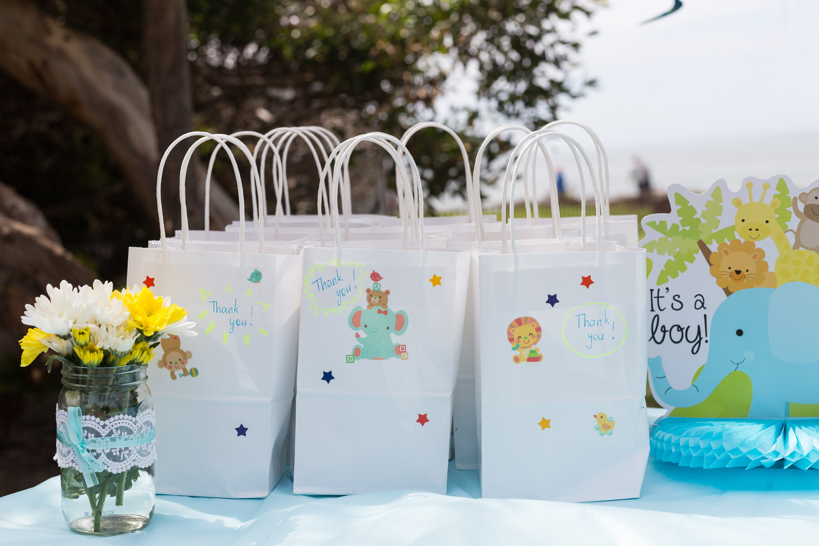 Baby Shower Gifts f
