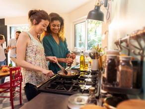 メキシコで買える食材で出来る献立レシピ①:煮込みハンバーグとトマトと卵の炒め煮