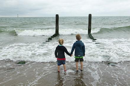 Kinderen aan de kust