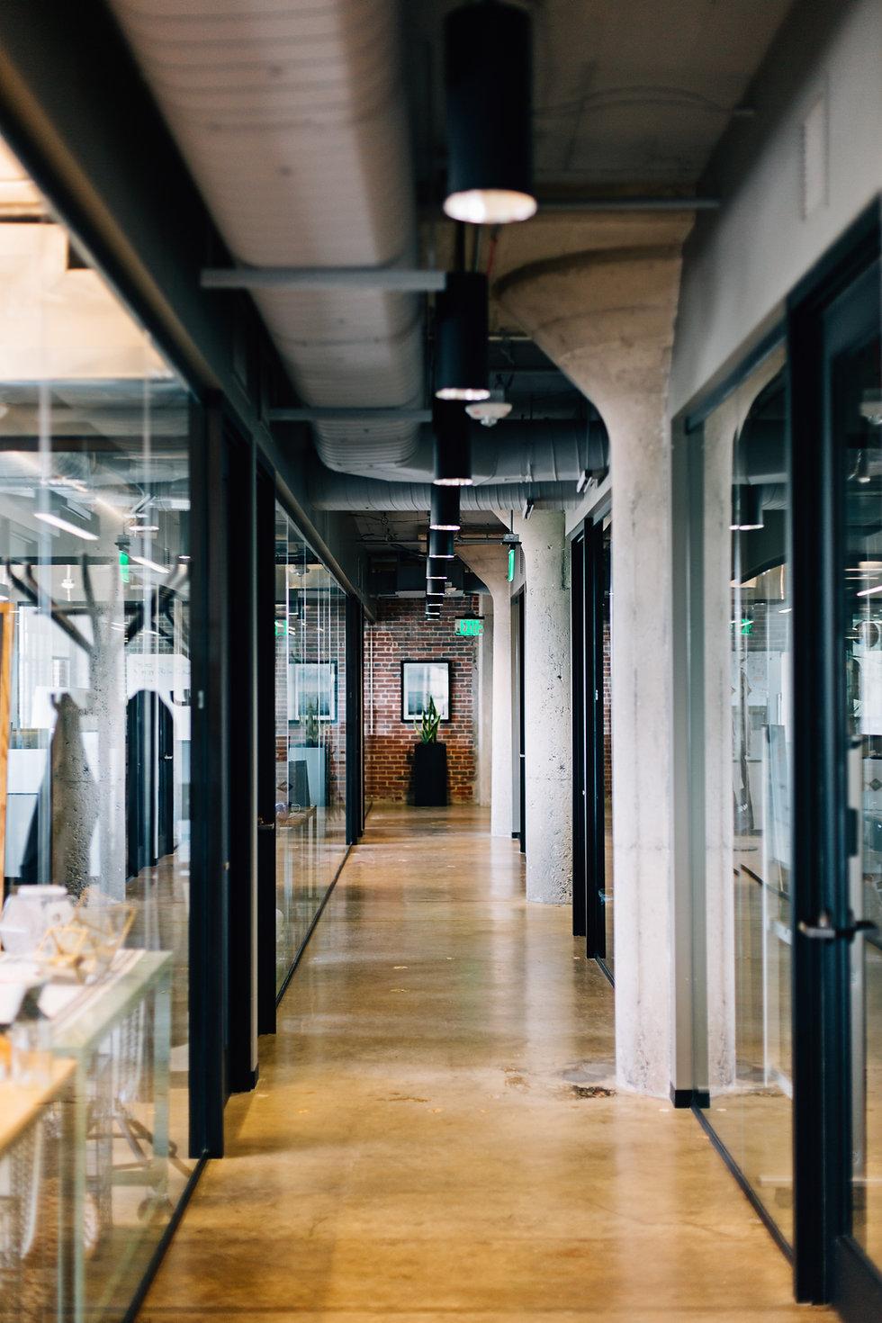 Büro-Halle