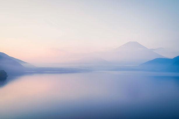 Lago brumoso