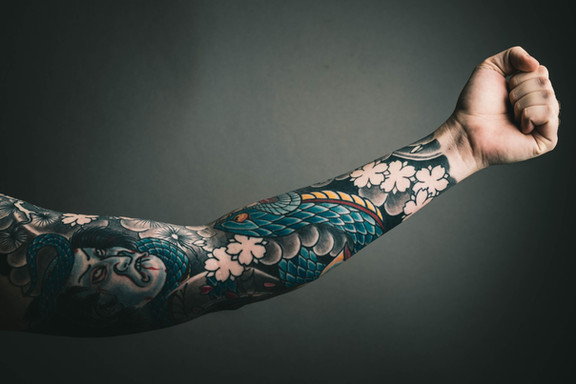 Tattoo removal cream sleeve