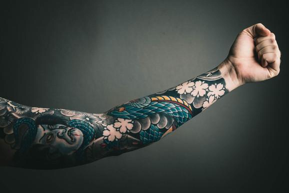 Tattoo removal cream sleeve