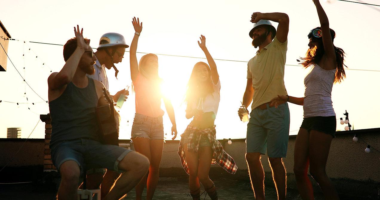 Festa al tramonto