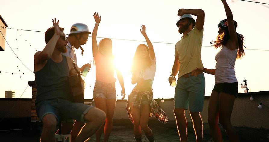 Sonnenuntergangs Party