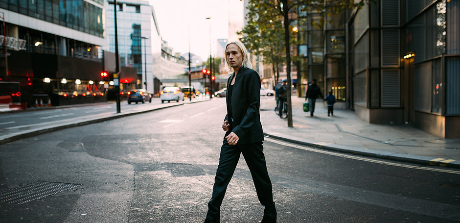 Fashion Blogger Crossing Street