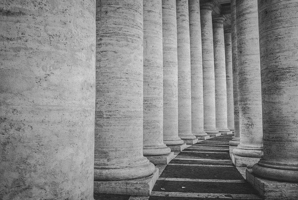 Reihen von Säulen