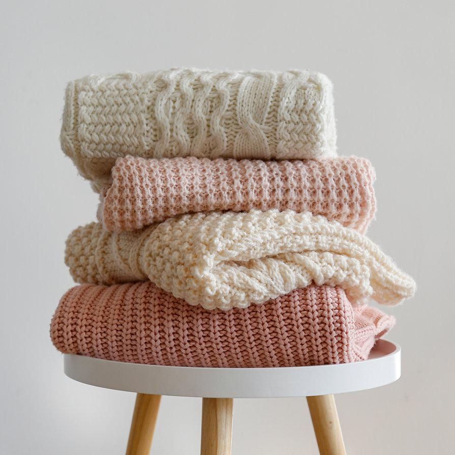 Pila di maglioni