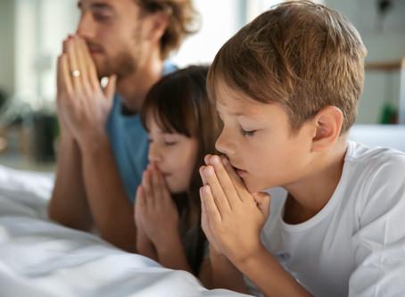 5 formas de ensinar o seu filho a orar