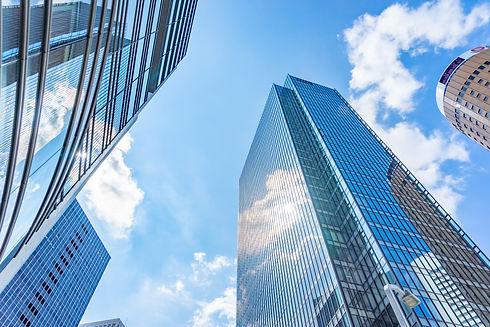 オフィス外の高層ビル